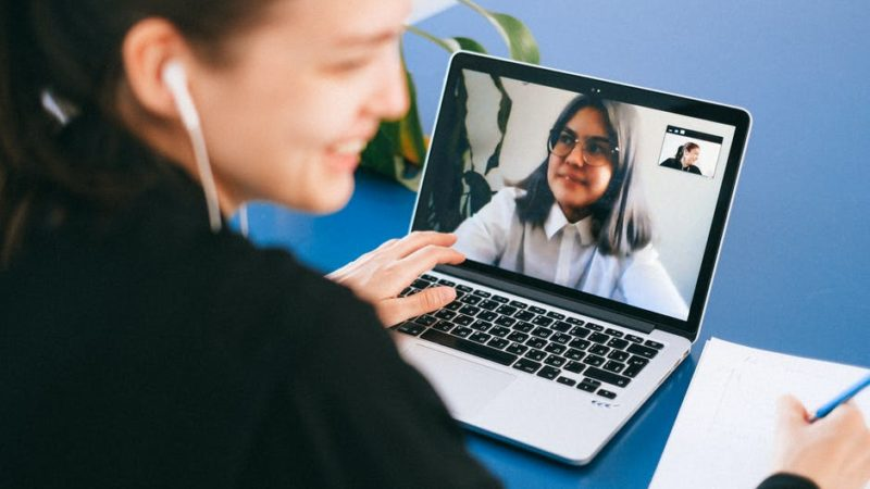5 Useful Online Meeting Tools That Help With Remote Work
